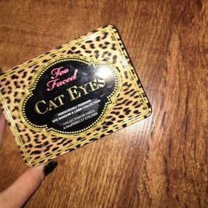 too faced eye shadow pallet